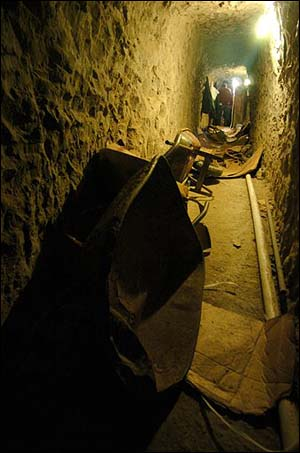 1138400222003_MEXICO_DRUG_TUNNEL2